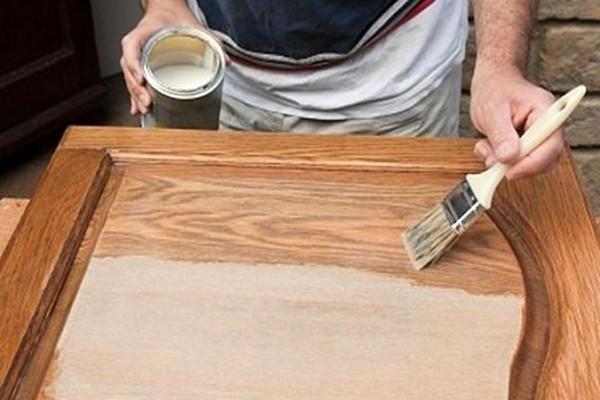 Как покрасить старую деревянную дверь фото