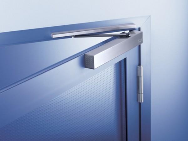 Как правильно установить доводчик на дверь