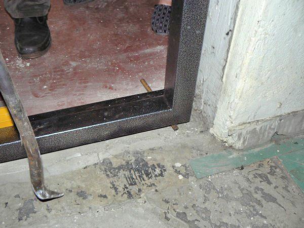 как установить входную дверь фото