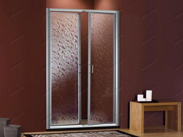 Алюминиевая маятниковая дверь фото