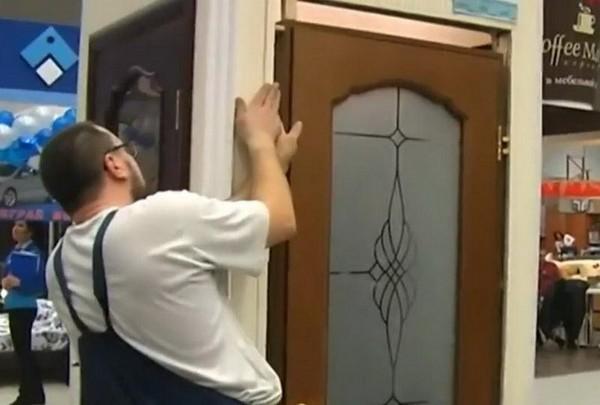 установка деревянных дверей своими руками фото