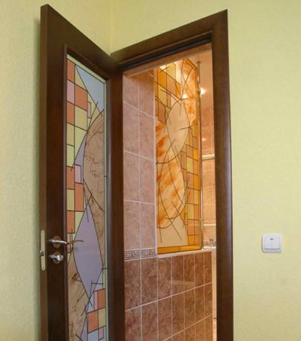 как выбрать двери для ванной