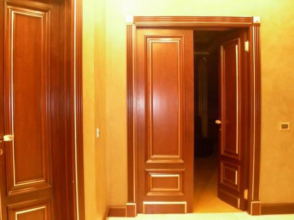двери из массива ольхи фото