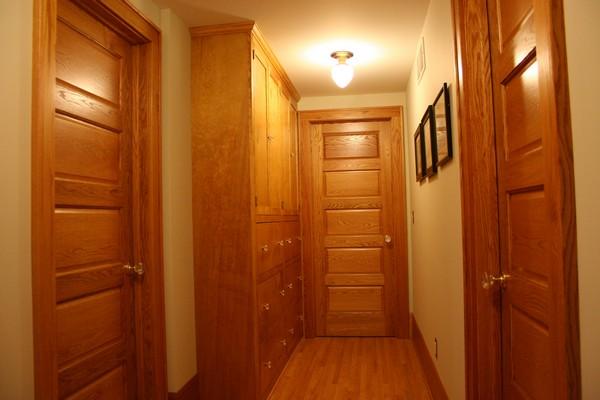 двери из массива ореха фото