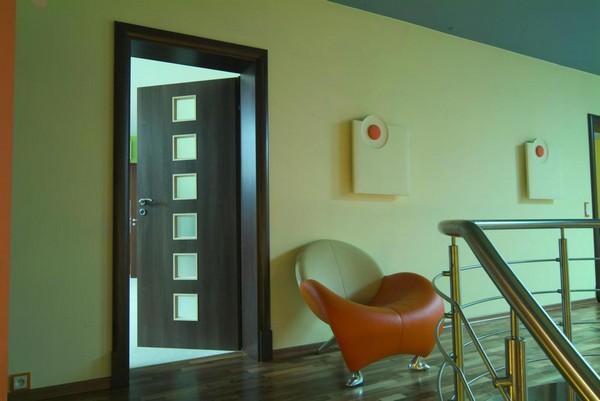 крашенные двери мдф  фото