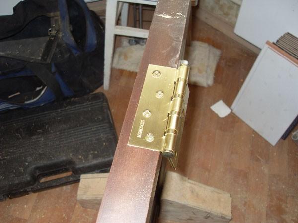установка двустворчатых межкомнатных дверей фото