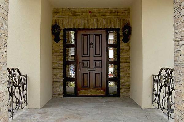 металлические двери в тамбур фото