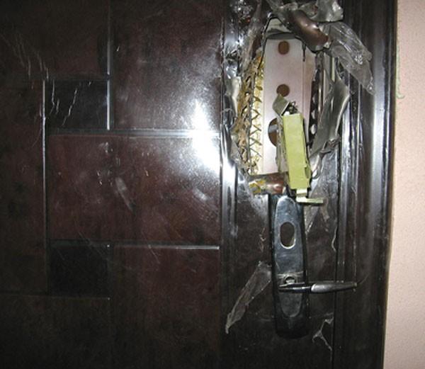 входные металлические двери в квартиру китайского производства фото