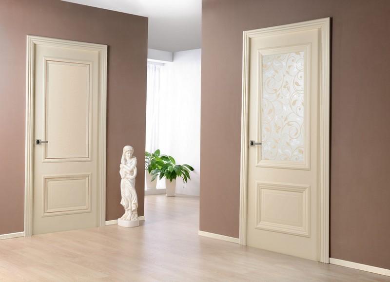 светлый пол и двери в интерьере фото