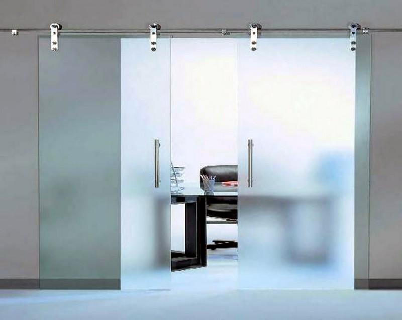 преимущества раздвижных дверей из стекла