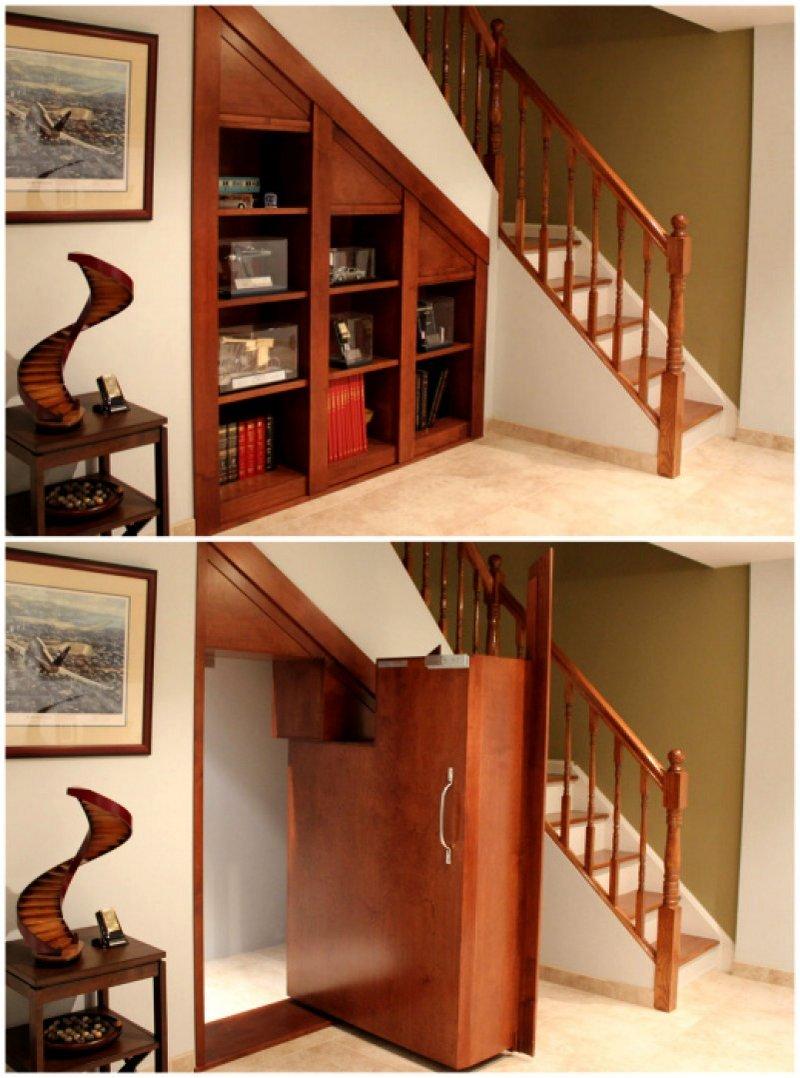 потайная дверь под лестницей фото