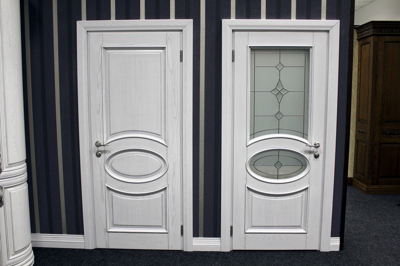 белые деревянные двери фото