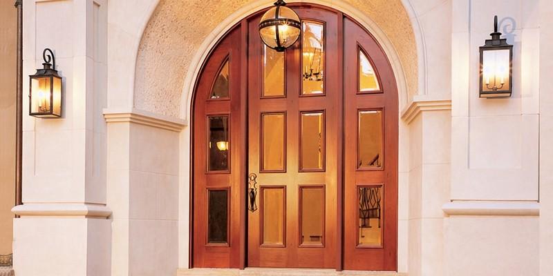 входная арочная дверь фото