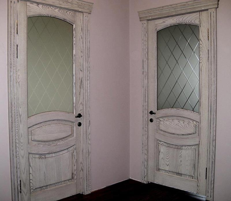 состаренные двери в стиле прованс фото