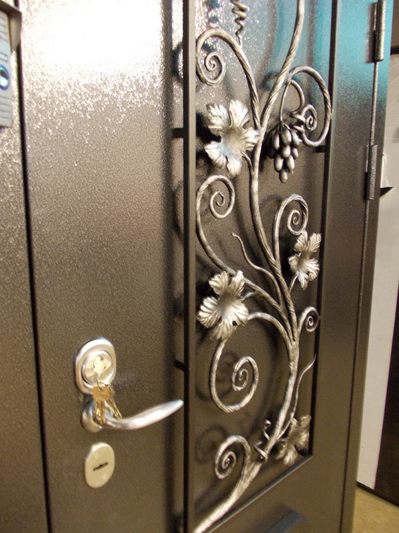 металлические кованые двери фото