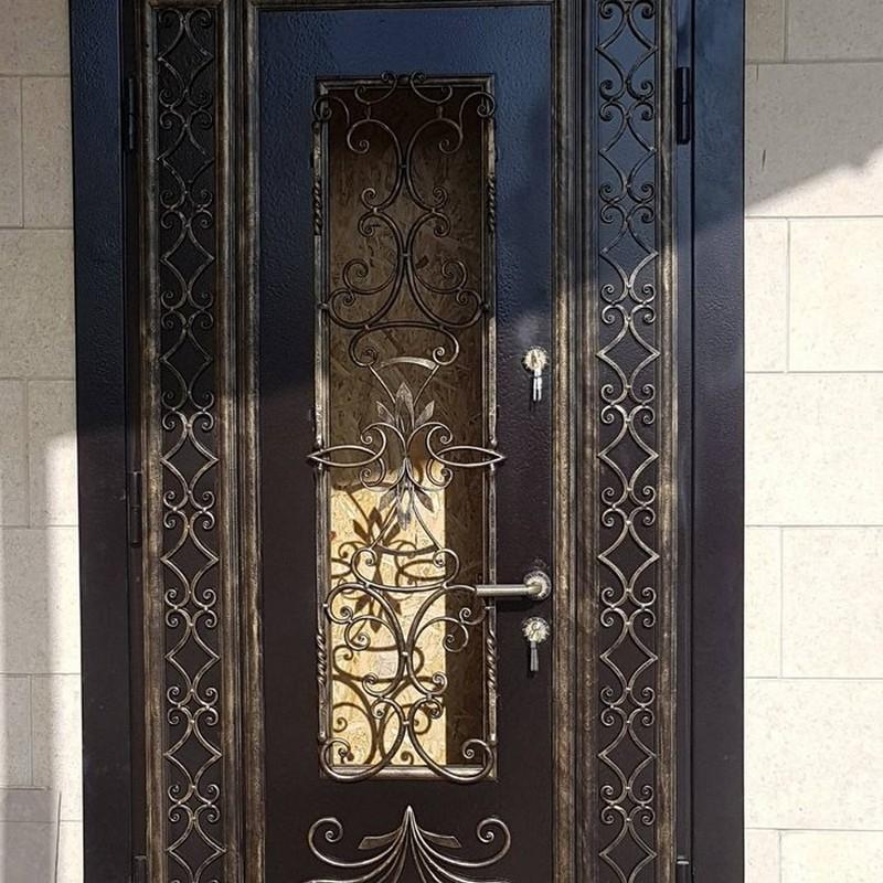 преимущества кованых дверей фото