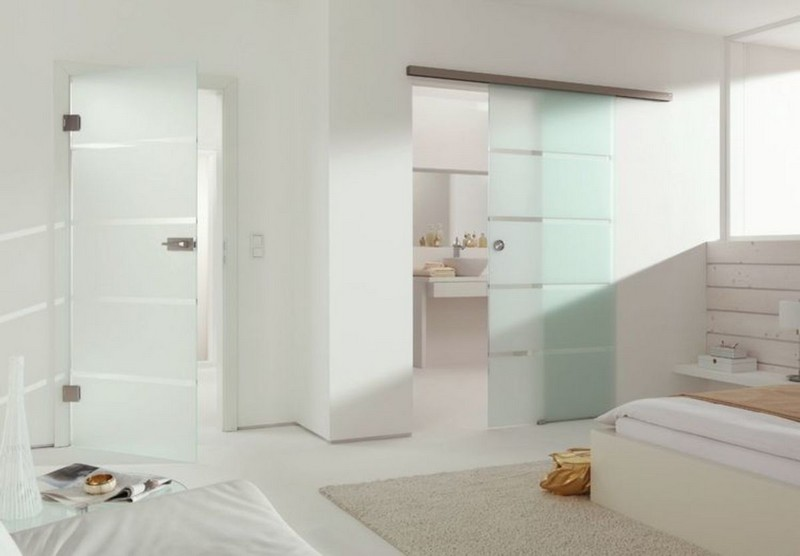 стеклянные двери в санузел фото