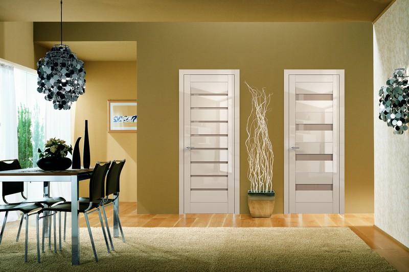 глянцевые двери в интерьере фото