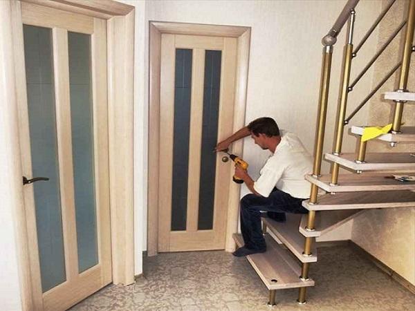 монтаж межкомнатных дверей своими руками фото