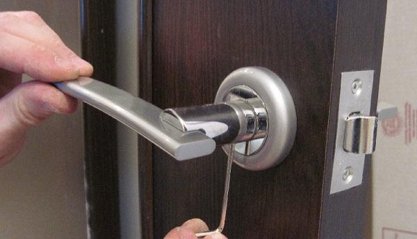 установка ручек на двери своими руками