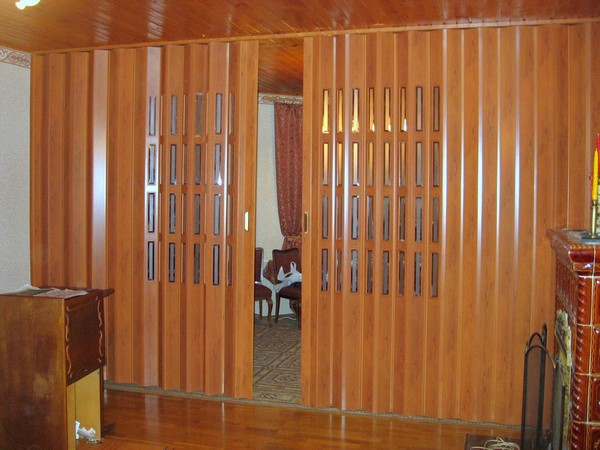 двери складные гармошка  фото