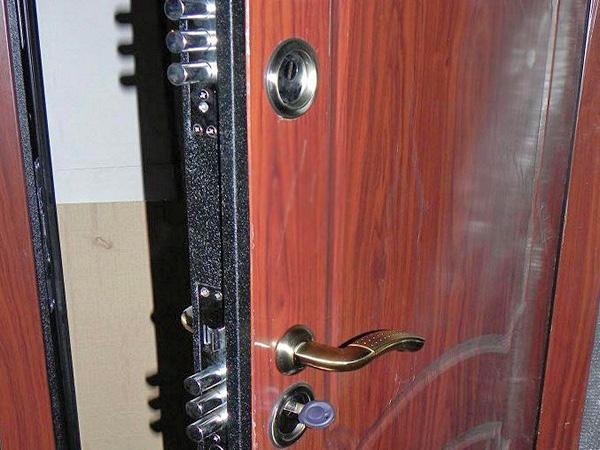 Установка накладки на дверь фото