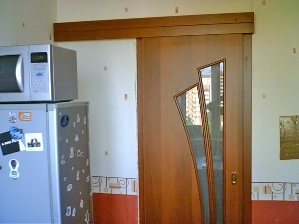 Двери на кухню со стеклом фото