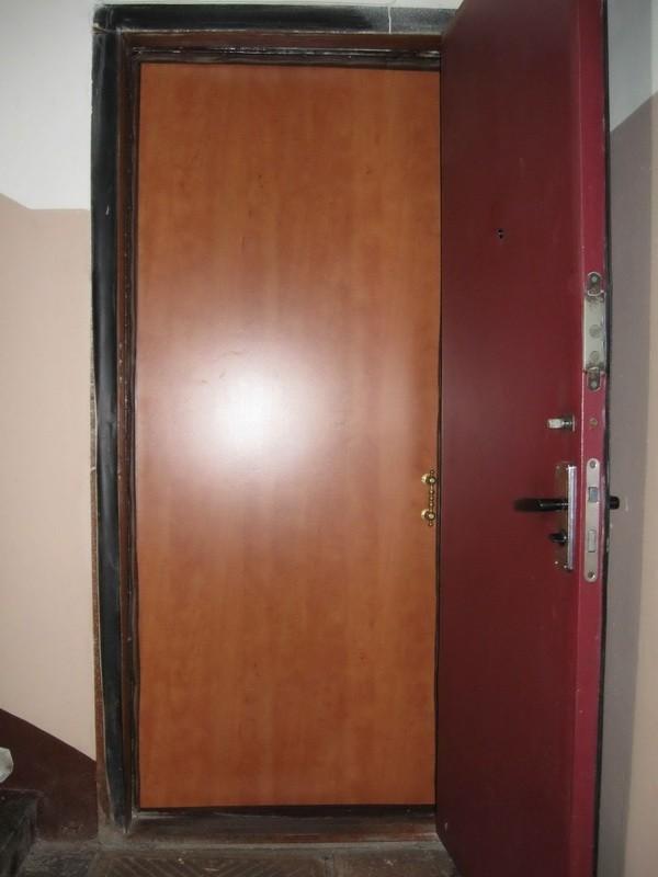 Звукоизоляция двери в квартире фото