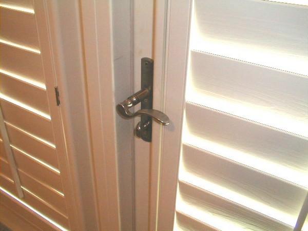 Двери жалюзи фото