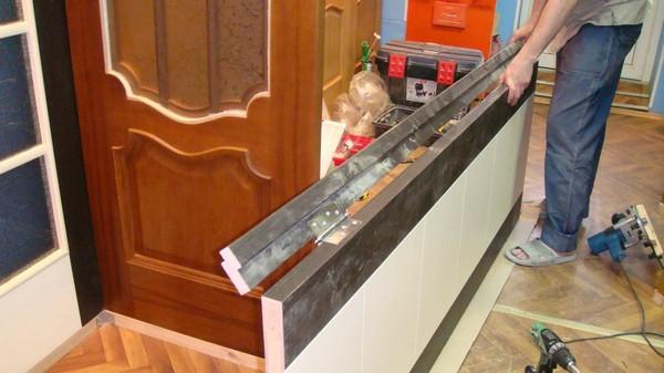 Как врезать дверные петли