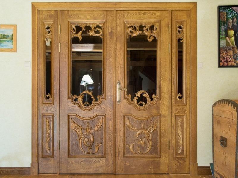 Преимущества дверей из экошпона