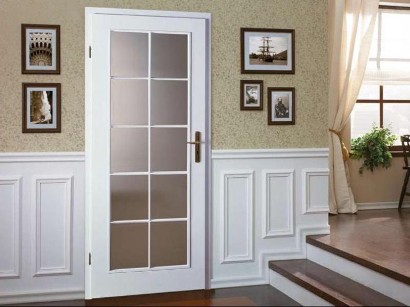 белые двери в квартире фото