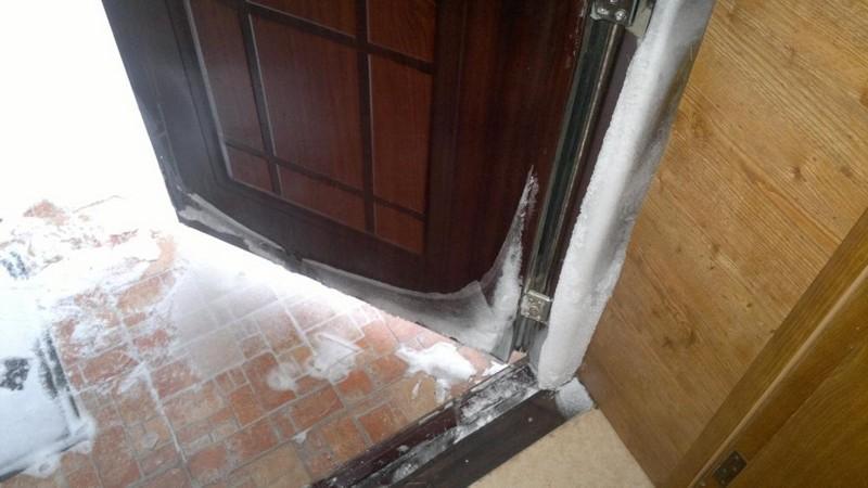 теплые входные двери для загородного дома фото